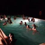 Baño nocturno en la piscina Encinar de Escardiel