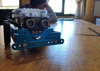 Nuestro robot hecho en el taller de Robotica